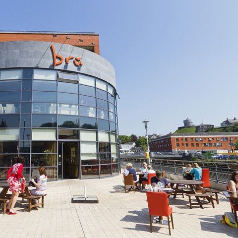 Brú Bistro - alfresco gourmet food and drink on the banks of the Boyne in Drogheda
